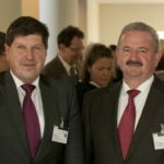 Institutsleiter Prof. Thomas Hirth mit dem Fraunhofer Prsidenten Prof. Reimund Neugebauer (Foto: Fraunhofer IGB)