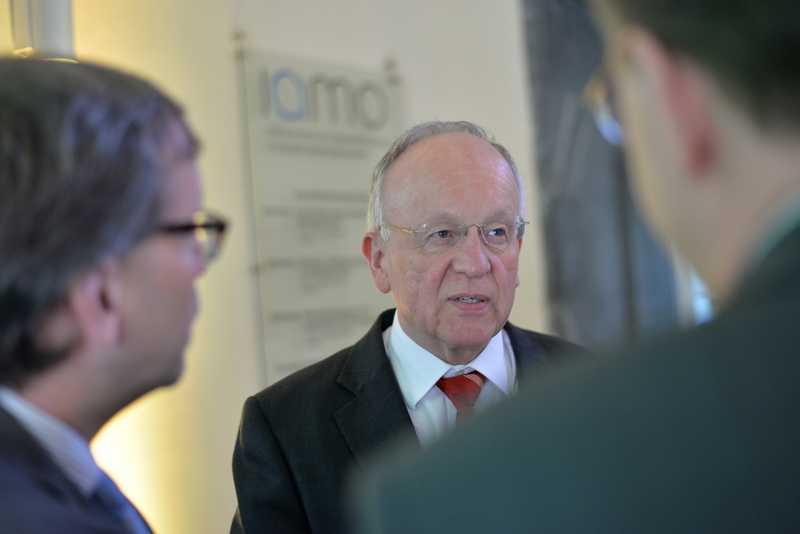 Sachsen-Anhalts Landwirtschaftsminster Dr. Hermann Onko Aeikens bei der 4. International Bioeconomy Conference in Halle