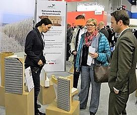 """Frau Ministerialrätin Andrea Noske besucht den Gemeinschaftsstand """"Schaufenster Bioökonomie"""""""