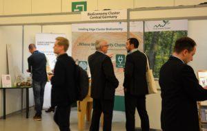 Gespräche am BioEconomy Cluster Stand EFIB 17
